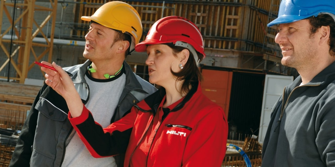 Hilti field engineer